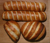 Four_loaves